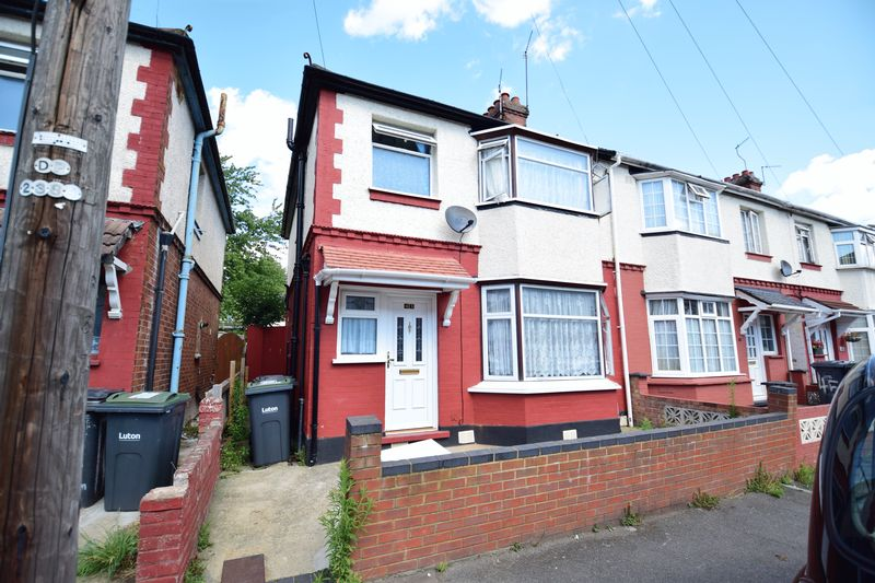 3 bedroom Semi-Detached  to buy in Holland Road, Luton