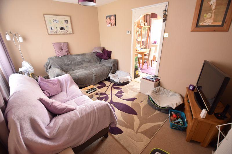 2 bedroom Mid Terrace to buy in Leaside, Dunstable - Photo 2