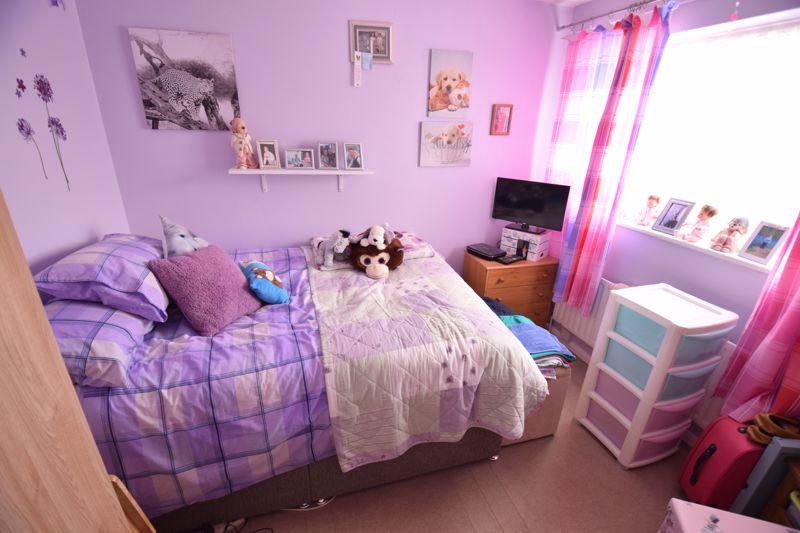 2 bedroom Mid Terrace to buy in Leaside, Dunstable - Photo 6