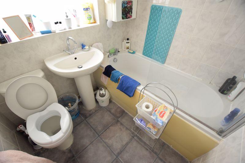 2 bedroom Mid Terrace to buy in Leaside, Dunstable - Photo 7