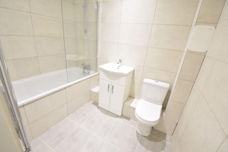 2 bedroom  to buy in 142 Midland Road, Luton - Photo 2