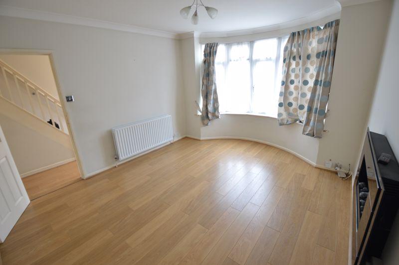 3 bedroom Semi-Detached  to buy in Eaton Valley Road, Luton - Photo 20