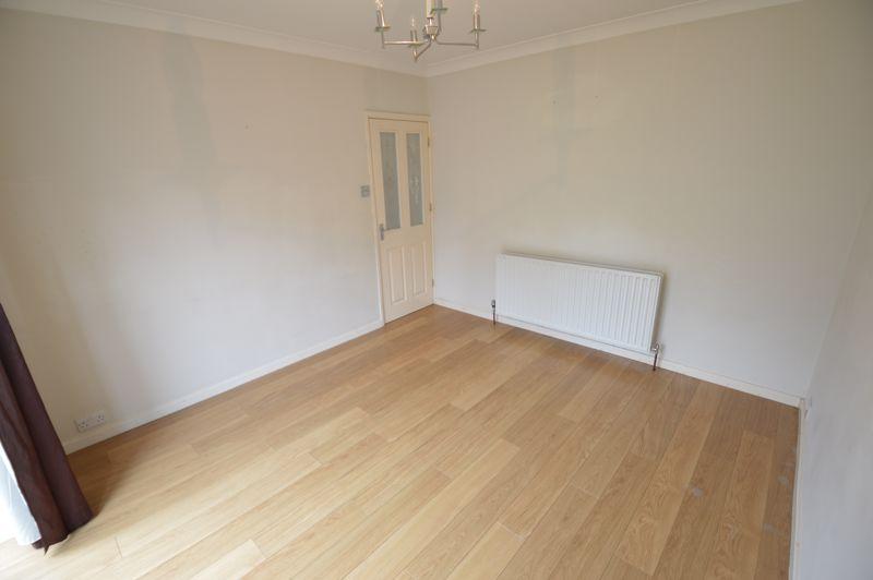 3 bedroom Semi-Detached  to buy in Eaton Valley Road, Luton - Photo 22