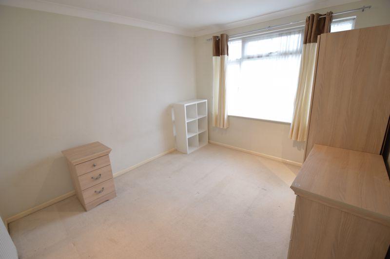 3 bedroom Semi-Detached  to buy in Eaton Valley Road, Luton - Photo 25