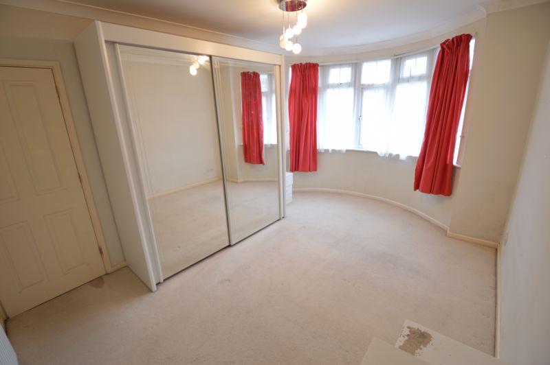 3 bedroom Semi-Detached  to buy in Eaton Valley Road, Luton - Photo 27