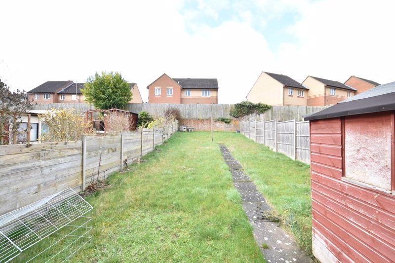 3 bedroom Semi-Detached  to buy in Eaton Valley Road, Luton - Photo 14