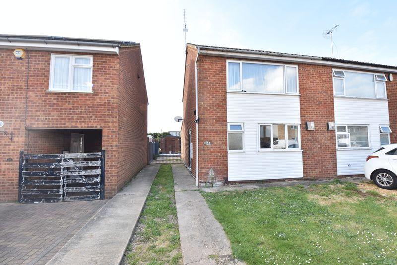 2 bedroom  to buy in Alfriston Close, Luton