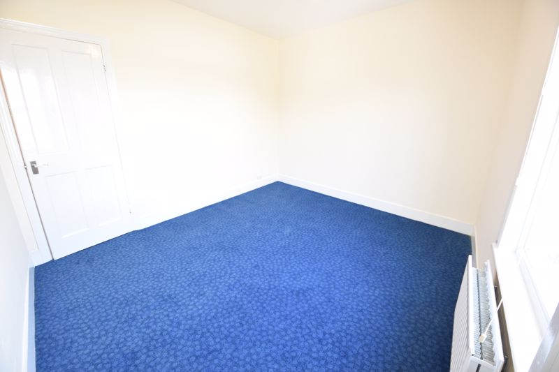 2 bedroom Mid Terrace to rent in Hartley Road, Luton - Photo 12