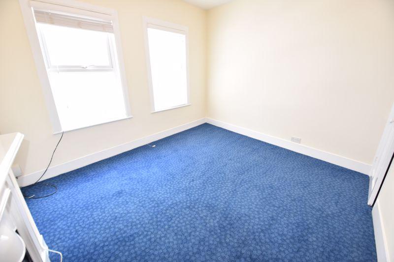 2 bedroom Mid Terrace to rent in Hartley Road, Luton - Photo 13