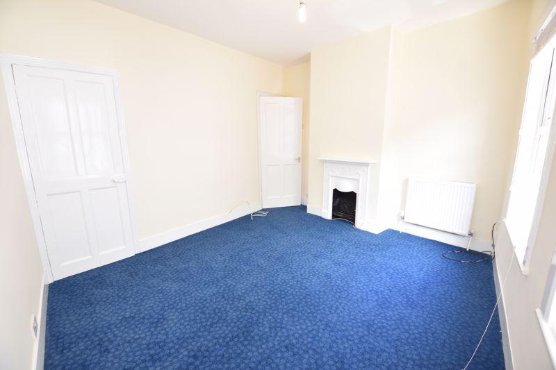 2 bedroom Mid Terrace to rent in Hartley Road, Luton - Photo 14