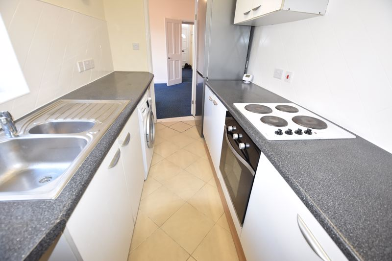 2 bedroom Mid Terrace to rent in Hartley Road, Luton - Photo 15