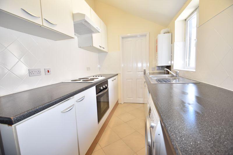 2 bedroom Mid Terrace to rent in Hartley Road, Luton - Photo 17