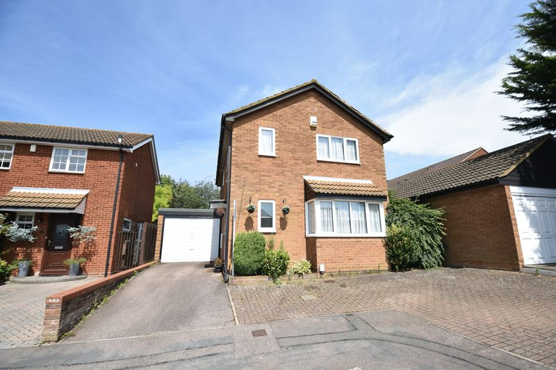 4 bedroom  to buy in Walsingham Close, Luton
