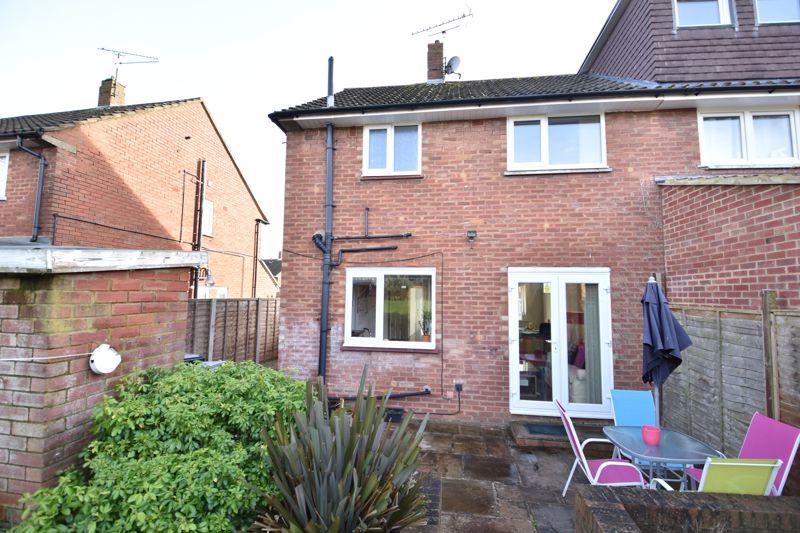 2 bedroom Semi-Detached  to buy in Dewsbury Road, Luton - Photo 5