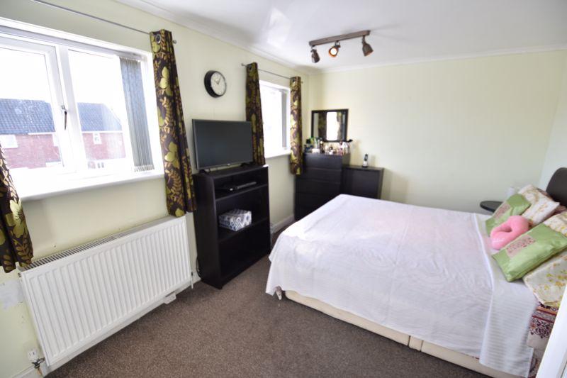 2 bedroom Semi-Detached  to buy in Dewsbury Road, Luton - Photo 8