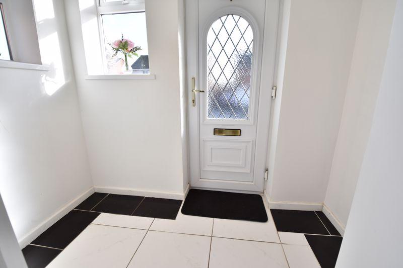 2 bedroom Semi-Detached  to buy in Dewsbury Road, Luton - Photo 11