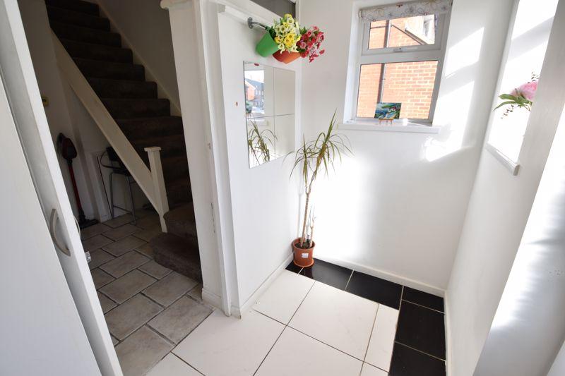 2 bedroom Semi-Detached  to buy in Dewsbury Road, Luton - Photo 13