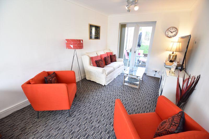 2 bedroom Semi-Detached  to buy in Dewsbury Road, Luton - Photo 14