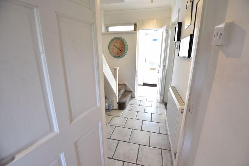 2 bedroom Semi-Detached  to buy in Dewsbury Road, Luton - Photo 17