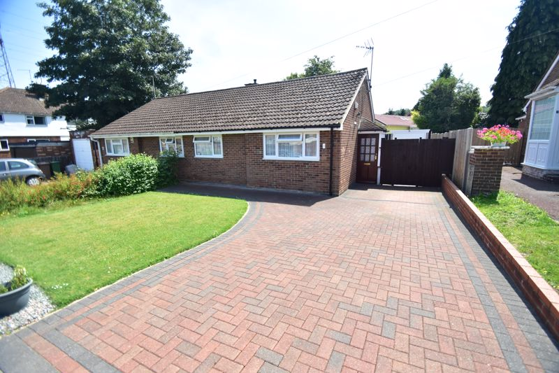2 bedroom Bungalow to buy in Ripley Road, Luton