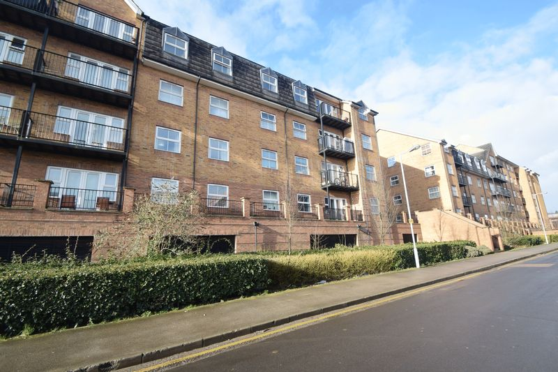 2 bedroom Flat to rent in 1-117 Holly Street, Luton