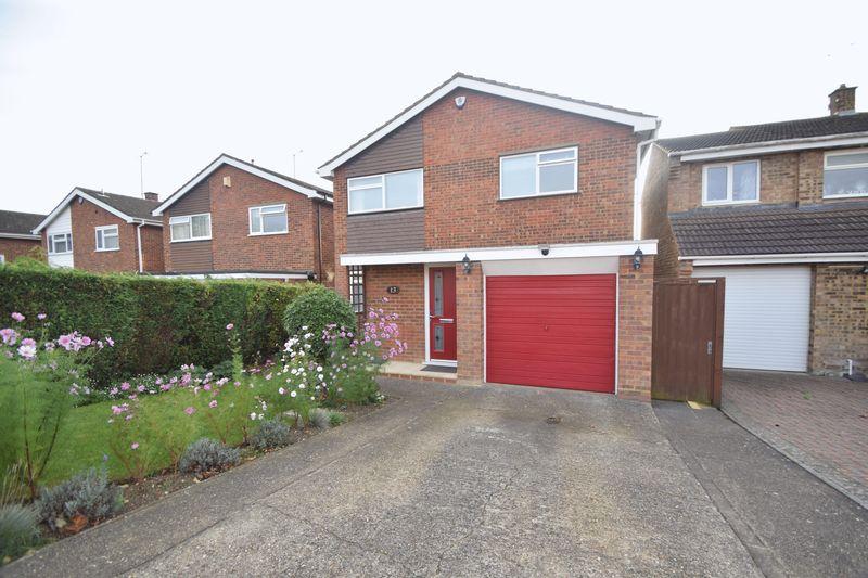 3 bedroom Detached  to buy in Brompton Close, LUTON