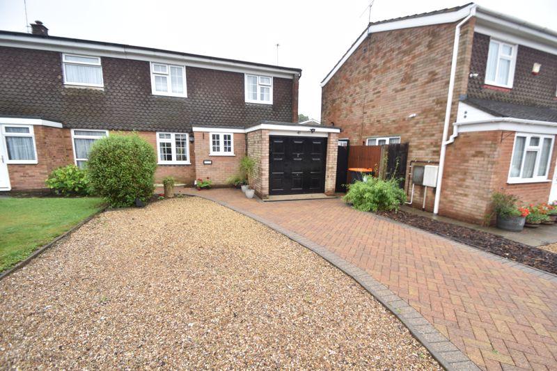 3 bedroom Semi-Detached  to buy in Ross Way, Luton