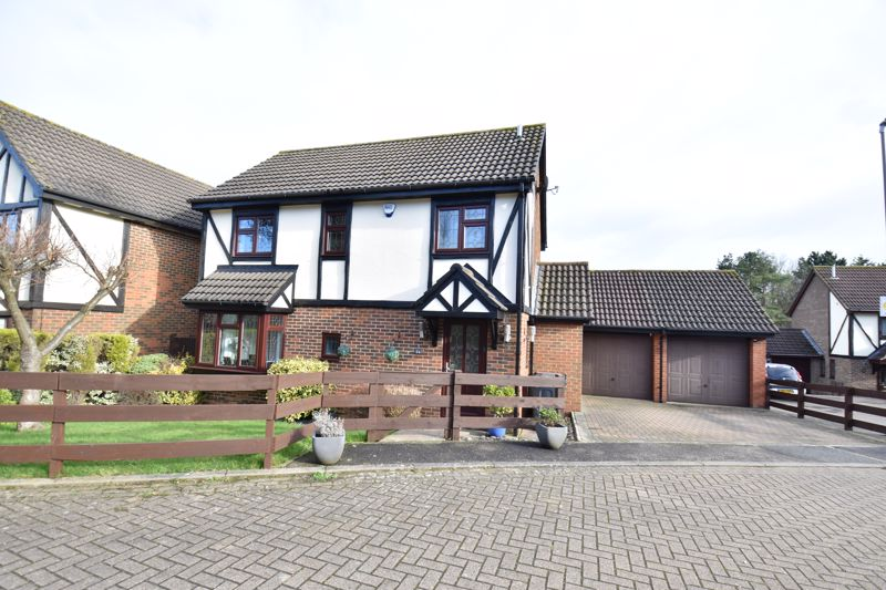 3 bedroom  to buy in Ennismore Green, Luton
