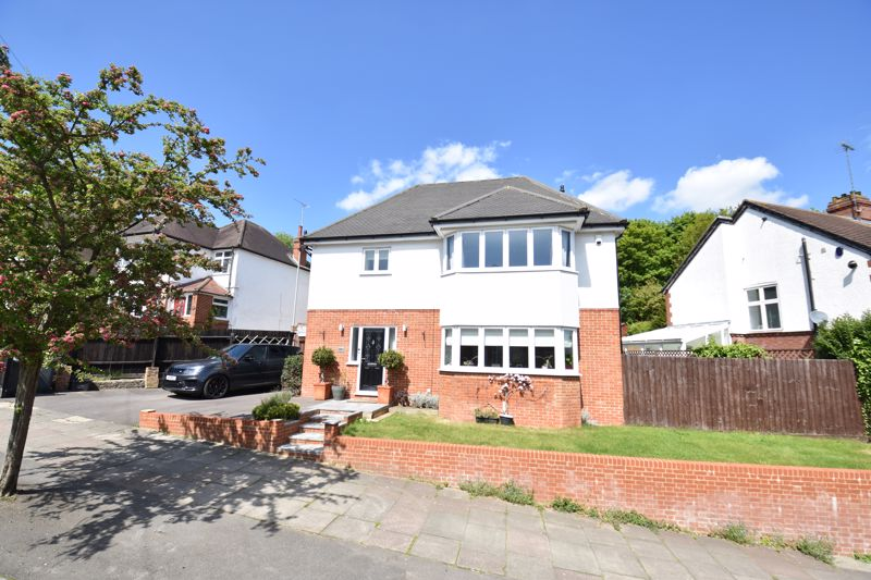 4 bedroom Detached  to buy in Cutenhoe Road, Luton