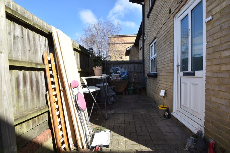 1 bedroom Maisonette to buy in Grove Road, Luton - Photo 9