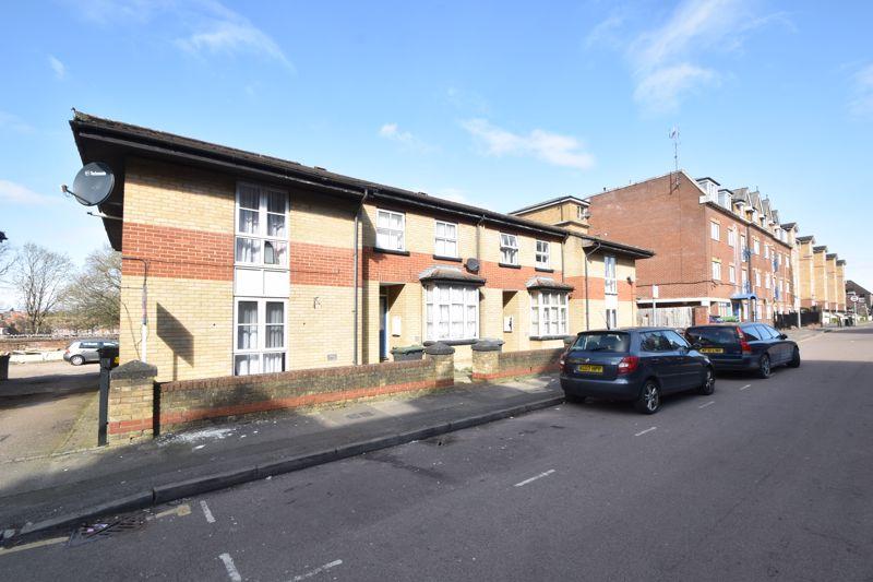 1 bedroom Maisonette to buy in Grove Road, Luton - Photo 11