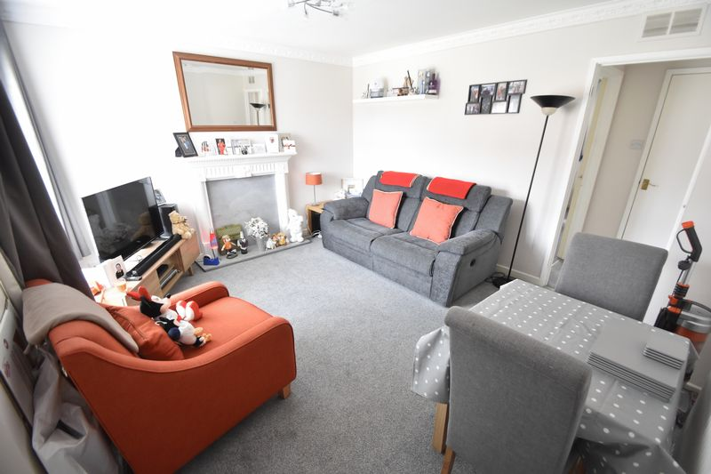 1 bedroom Maisonette to buy in Campania Grove, Luton - Photo 4