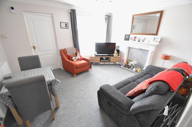 1 bedroom Maisonette to buy in Campania Grove, Luton - Photo 5