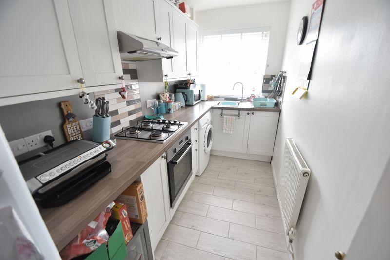 1 bedroom Maisonette to buy in Campania Grove, Luton - Photo 6