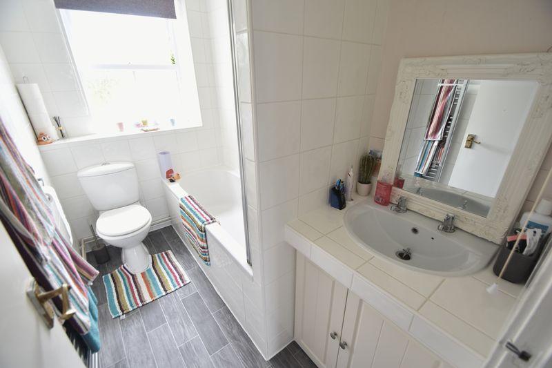 1 bedroom Maisonette to buy in Campania Grove, Luton - Photo 8
