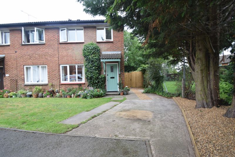 3 bedroom Semi-Detached  to buy in Enderby Road, Luton