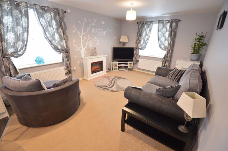 2 bedroom Flat to buy in Chestnut Avenue, Bedford - Photo 3