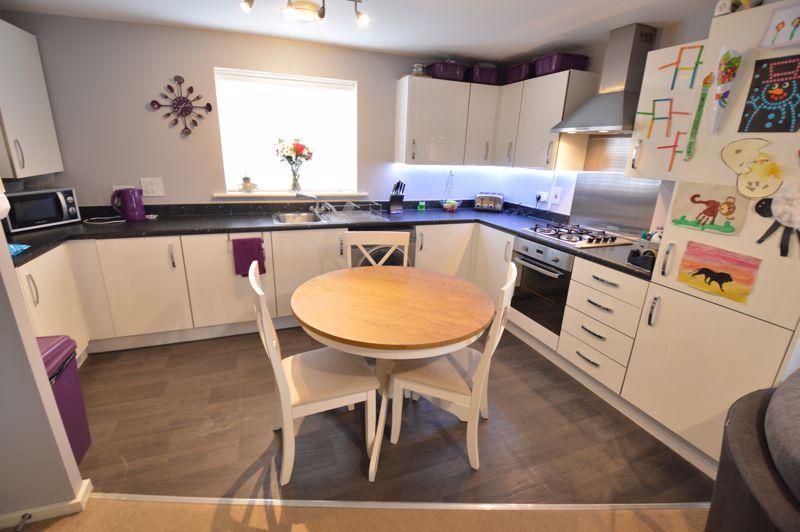 2 bedroom Flat to buy in Chestnut Avenue, Bedford - Photo 4