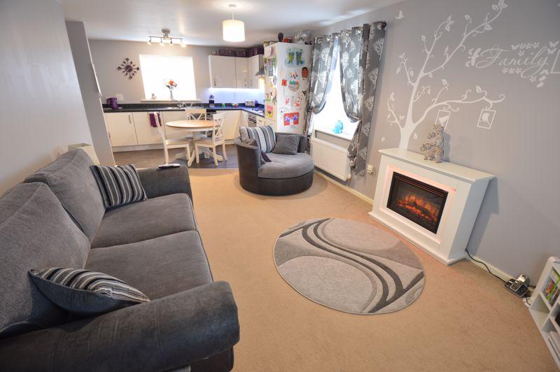 2 bedroom Flat to buy in Chestnut Avenue, Bedford - Photo 5