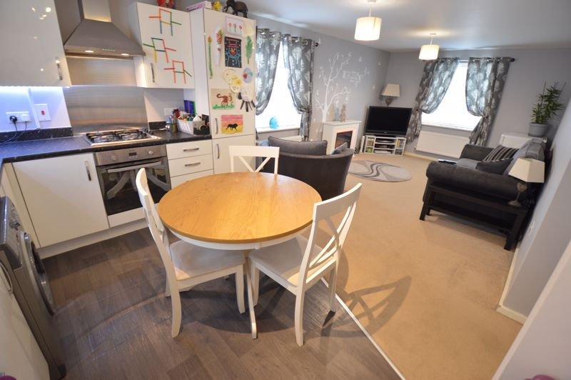 2 bedroom Flat to buy in Chestnut Avenue, Bedford - Photo 6