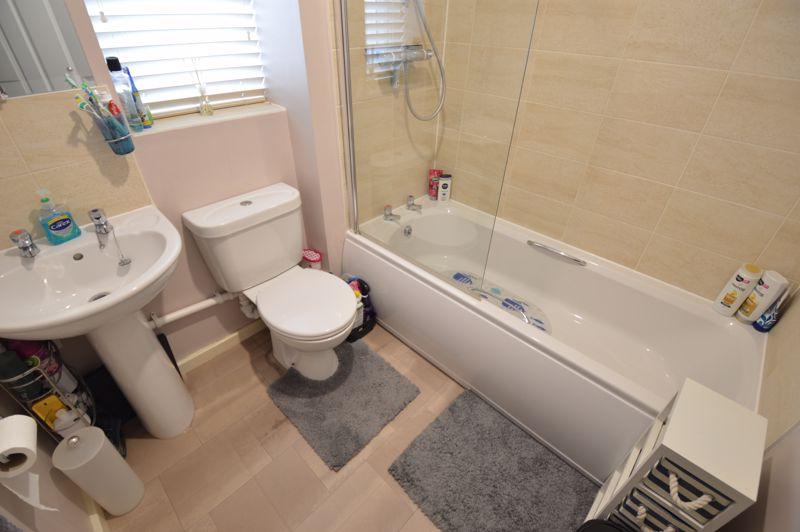 2 bedroom Flat to buy in Chestnut Avenue, Bedford - Photo 9