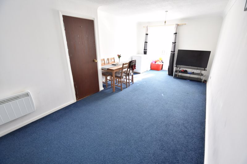 2 bedroom Flat to buy in Petunia Court, Luton - Photo 1