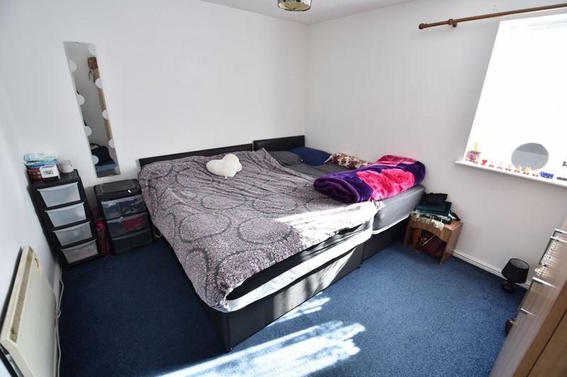 2 bedroom Flat to buy in Petunia Court, Luton - Photo 4