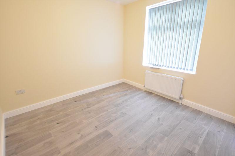 8 bedroom  to rent in Biscot Road, Luton - Photo 20