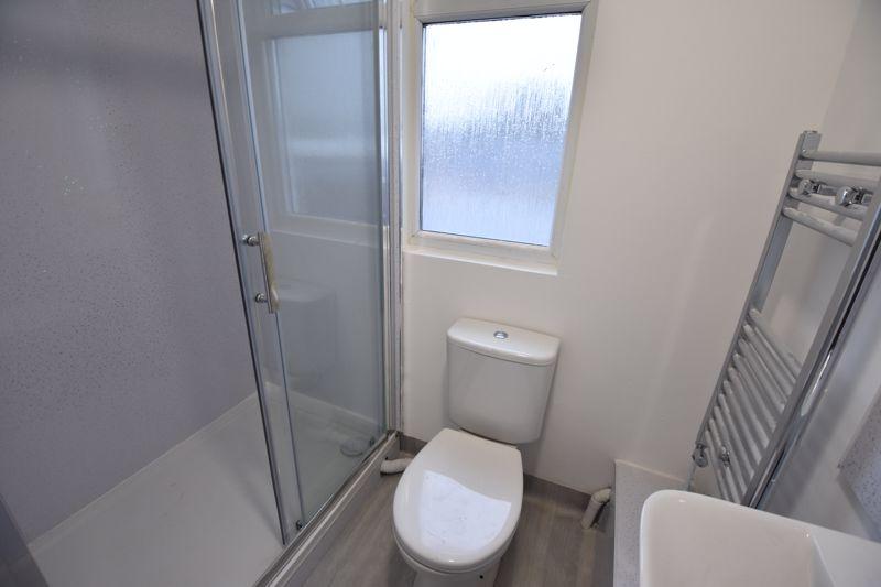 8 bedroom  to rent in Biscot Road, Luton - Photo 35
