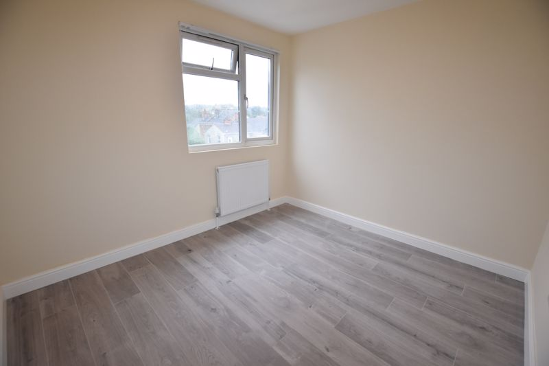 8 bedroom  to rent in Biscot Road, Luton - Photo 36