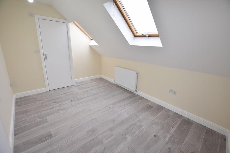 8 bedroom  to rent in Biscot Road, Luton - Photo 37