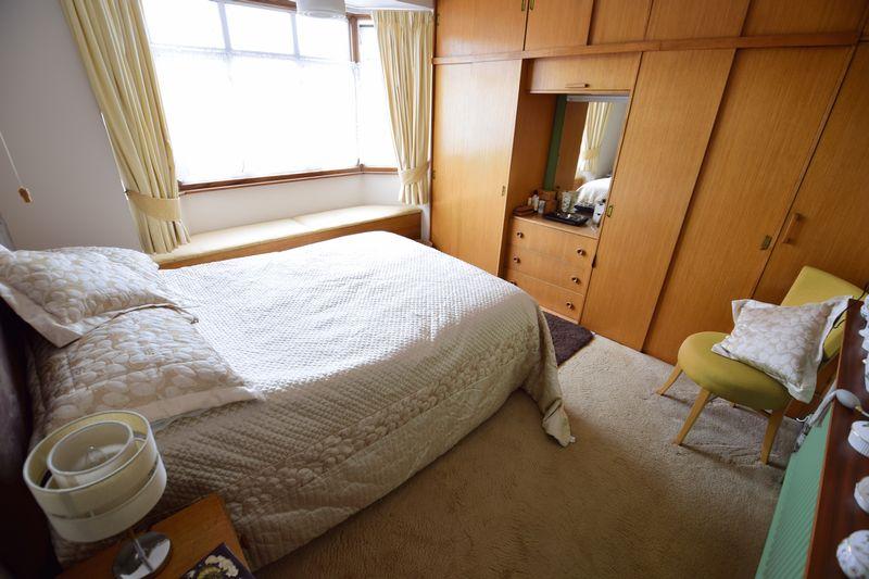 3 bedroom Semi-Detached  to buy in Devon Road, Luton - Photo 9