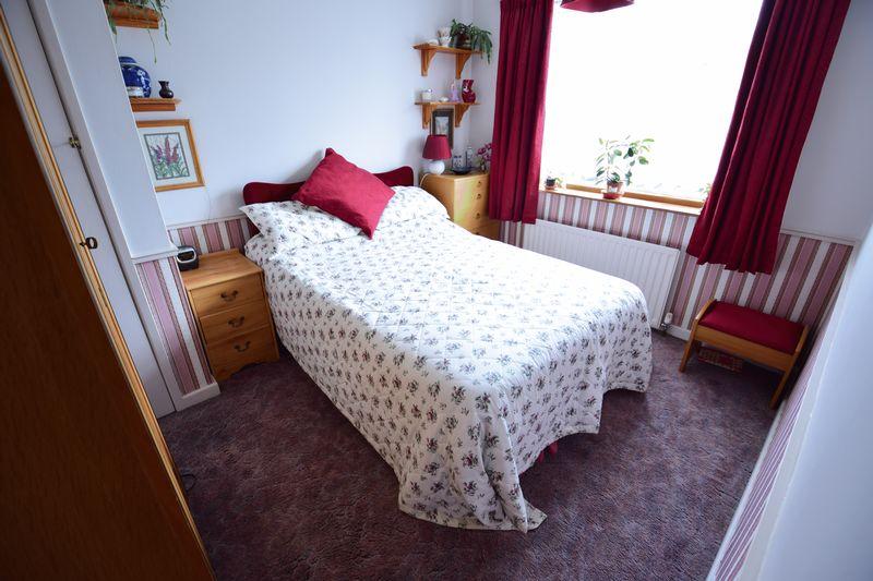 3 bedroom Semi-Detached  to buy in Devon Road, Luton - Photo 10