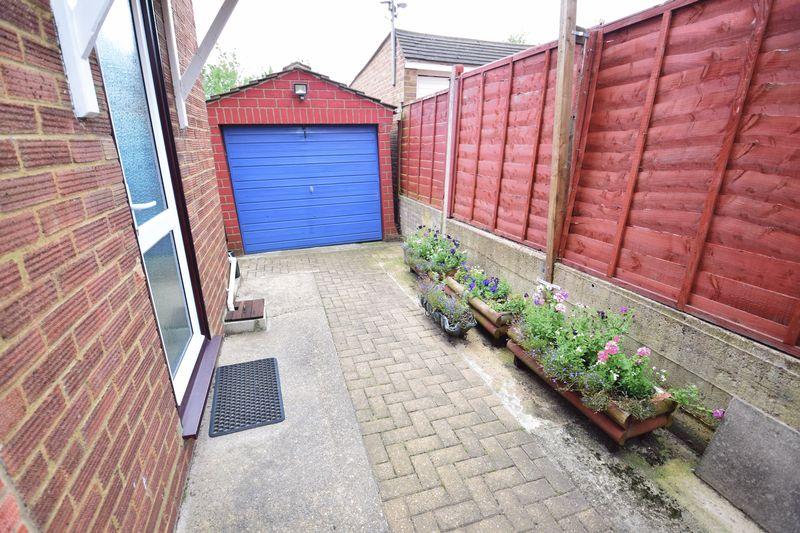 3 bedroom Semi-Detached  to buy in Devon Road, Luton - Photo 16